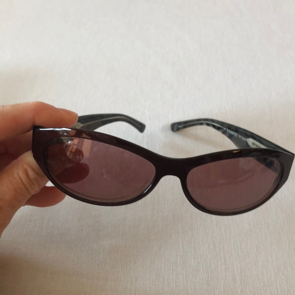 Burberry plum sunglasses without case